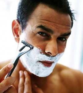 Man shaving 268x300 Well groomed men get more bedroom action, study finds